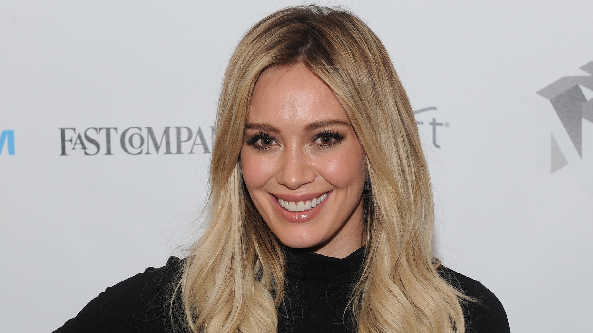 Hilary Duff's Recreation of Rachel McAdams' Iconic Breast-Pumping Photo Is Epic