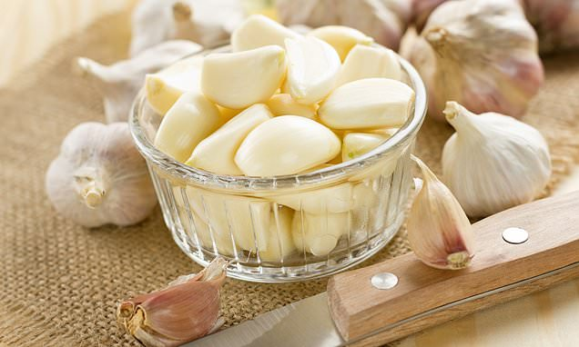 Eating raw garlic could help keep your memory sharp in old age