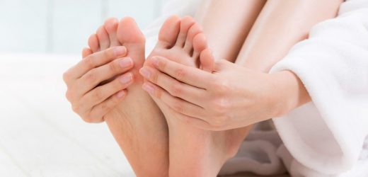 Amputations avoid: diabetics should examine their feet daily to skin defects