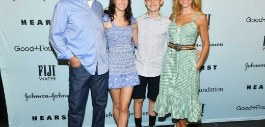 Jerry Seinfeld and Wife Jessica Step Out with Son Shepherd, 13, and Daughter Sascha, 18