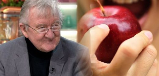 How to live longer: Can eating an apple a day increase life expectancy? Dr Chris' verdict