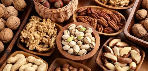 Eating half ounce of nuts each day 'cuts your odds of gaining weight'