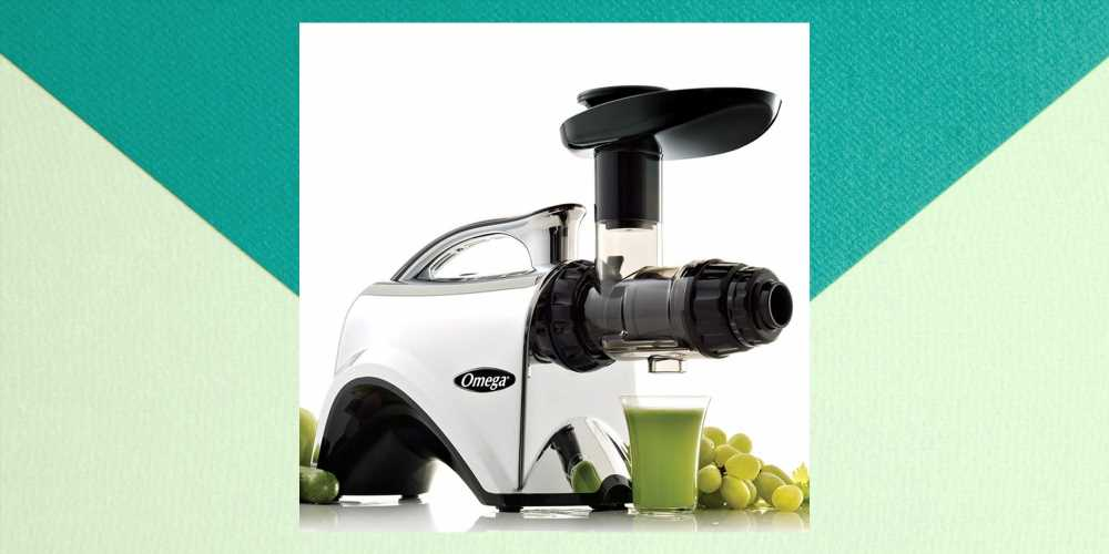 This Juicer Has Hundreds Of 5-Star Reviews On Amazon And It's On Sale For $100 Off Today