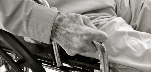 Does frailty affect outcomes after traumatic spinal cord injury?