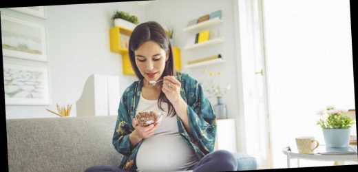 What Prenatal Nutrition Experts Have To Say About Doing Intermittent Fasting During Pregnancy