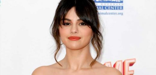 Selena Gomez Debuts Curly 70-Style Bangs