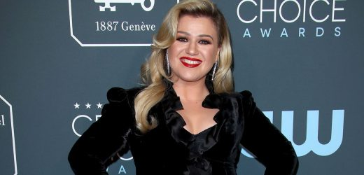 Kelly Clarkson Says Being a Mom Is the 'Greatest Gift' Amid Split