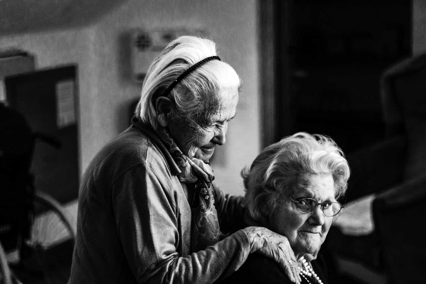 COVID lockdown loneliness linked to more depressive symptoms in older adults