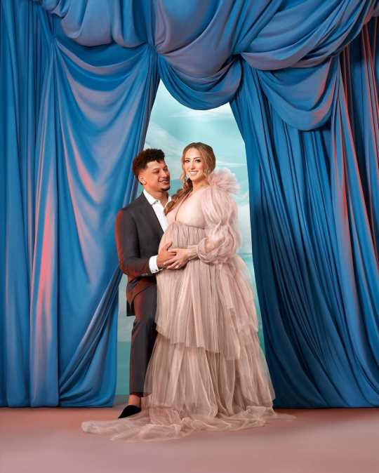 Pregnant Brittany Matthews Poses with Fiancé Patrick Mahomes in Romantic Maternity Pics: 'My King'
