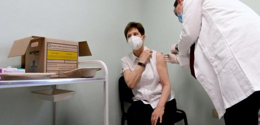 Hungary in talks to plug expected shortfall in COVID-19 vaccine deliveries