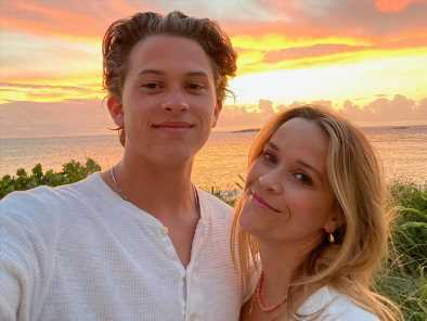 Reese Witherspoon Says Son Deacon 'Inspires Me Everyday' as They Pose for Sweet Sunset Selfie