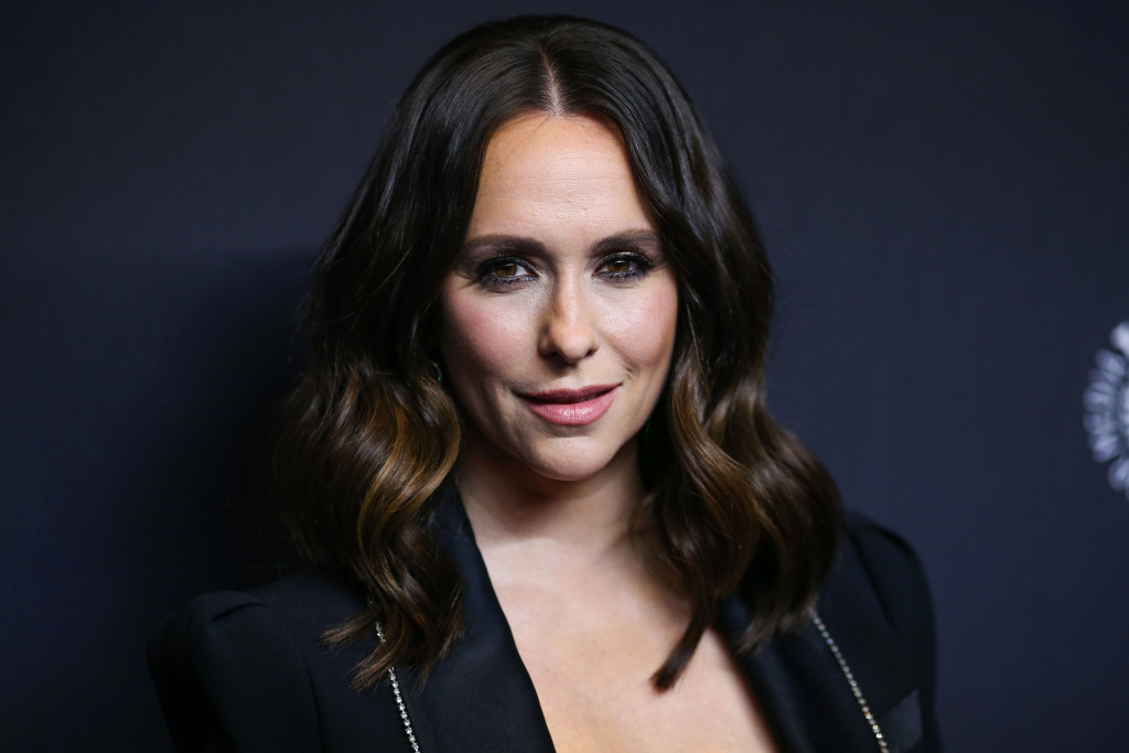 Jennifer Love Hewitt Is Pampering Her Baby Bump With This $12 Belly Mask