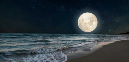 Here's What The August 22 Full Moon Means For Air Signs